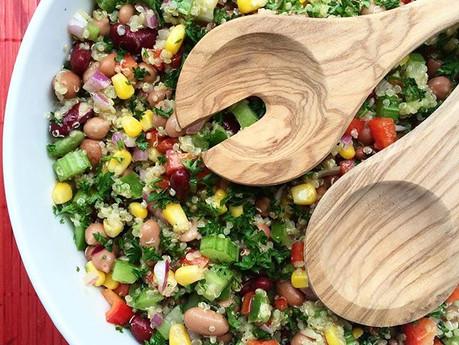 Salade arc-en-ciel de légumineuses et quinoa