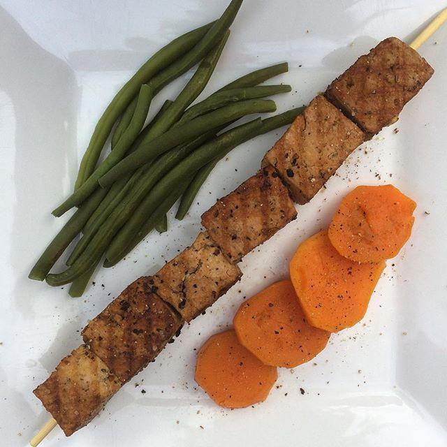 Marinade pour tofu aux épices de Montréal  | Dodo la Grano - recettes végétaliennes, santé et simples