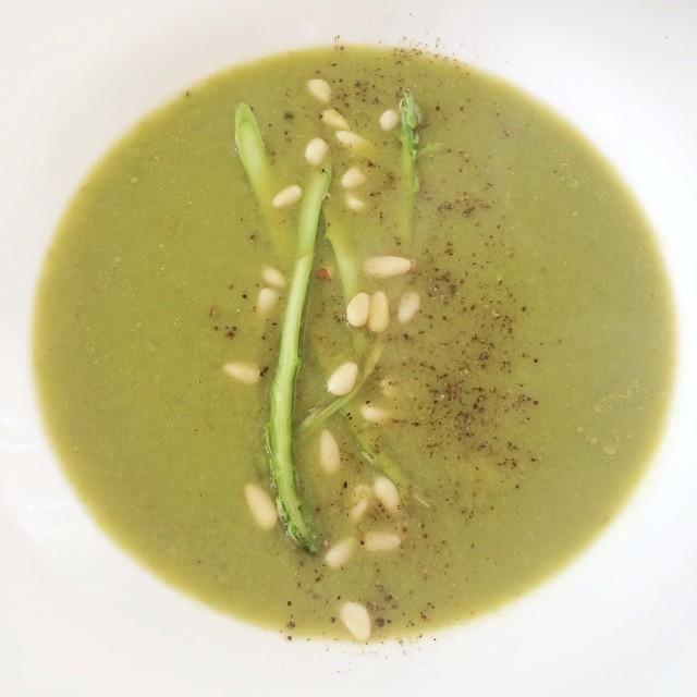 Potage de petits pois et asperges  | Dodo la Grano - recettes végétaliennes, santé et simples