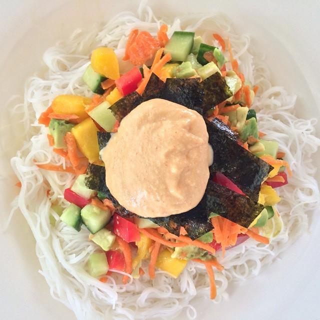 Sushi bol avec nori croustillantes et mayo épicée    Dodo la Grano - recettes végétaliennes, santé et simples