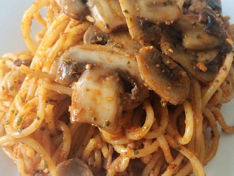 Spaghettinis champignons et pesto de tomates