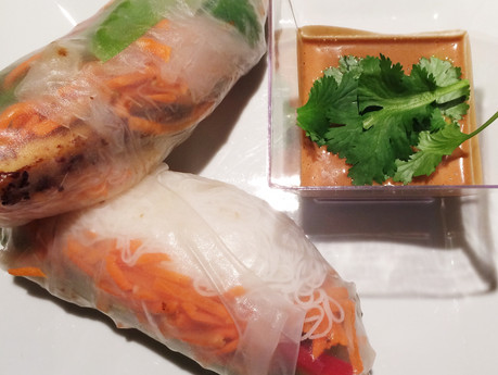 Rouleaux de printemps au tofu et sauce aux arachides