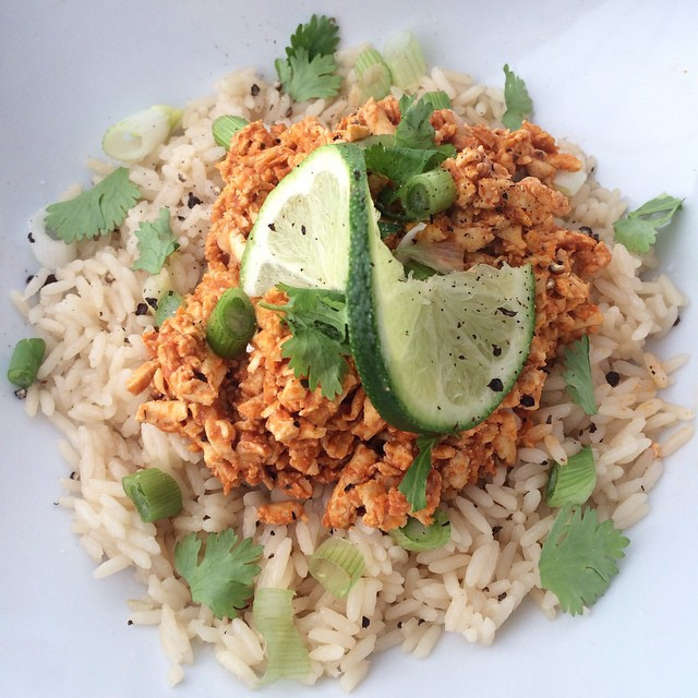 Émincé de tofu sauce barbecue  | Dodo la Grano - recettes végétaliennes, santé et simples