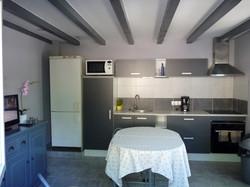 Cuisine et séjour petit apartement