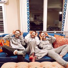 3 Girls Quarantined