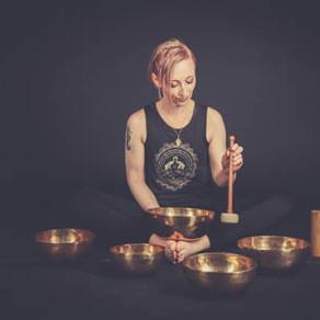 ONLINE 20.11.21 Klangschalen spielen lernen - Tipps & Tricks
