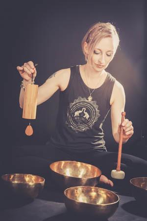 Mel Haumann Klang Yoga