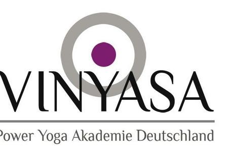 Okt. 20-Juni 21 300h+ Yogalehrer Ausbildung (AYA)