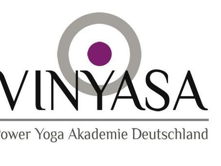 Okt. 21-Juli 22 300h+ Yogalehrer Ausbildung (AYA)