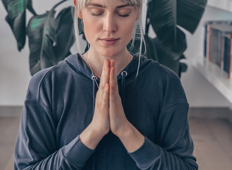 6.12.20 Candle Light Yoga - Yin & Yang Yoga mit Klangschalen