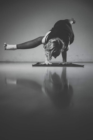 Mel Haumannn Yoga