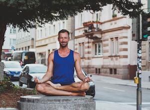 """Yoga-Sternstunde mit Klang(schalen) """"Fische"""""""