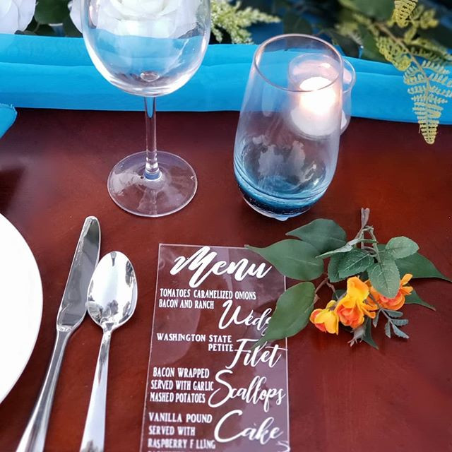 Acrylic menus| Wedding Tablescape