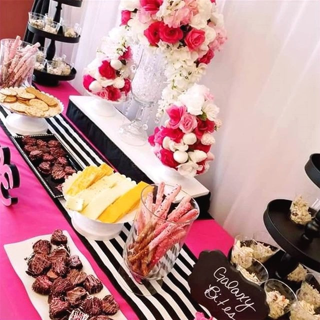 Pink and Black Party Table