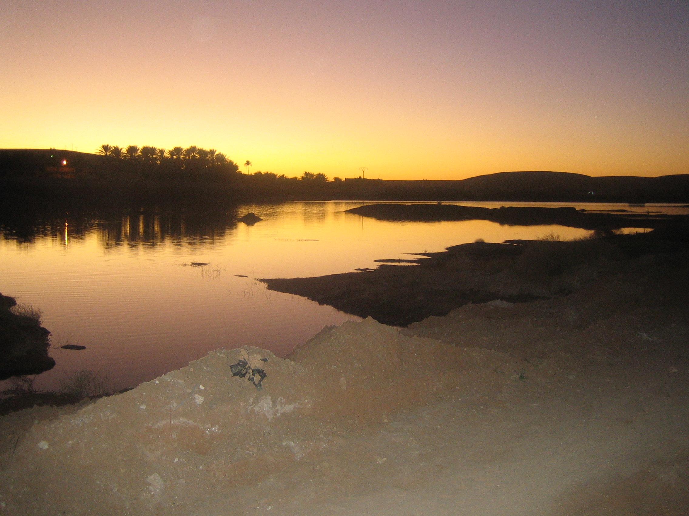 lac coucher de soleil