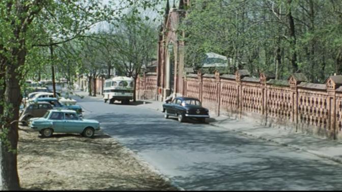 """Виды Введенского кладбища в к/ф """"Белорусский вокзал"""" (1970)"""
