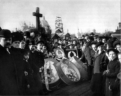 """""""Киоты"""" в советском похоронном обряде"""