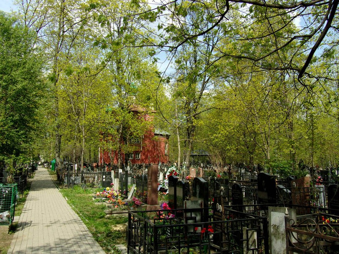 Пятницкое кладбище в мае 2016 г.
