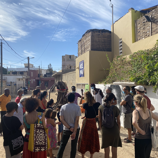 SENSIBILIZATION - Promenades - doxantu dans le village lébou