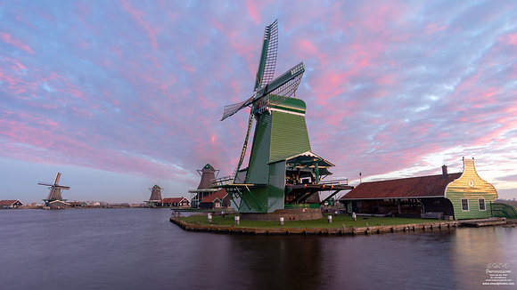 Early morning at the Zaanse Schans