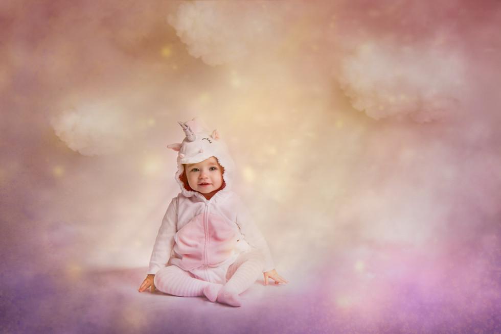 Unicorn-Fine-Art-baby-sitter-session