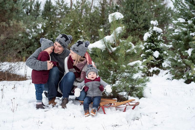 Christmas-Family-Photo-Tree-Farm