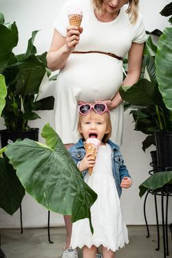Mother-Daughter-Maternity-Portrait-Barri