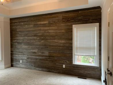 Rustic Accent Wall | builtinking.com