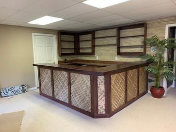 Custom Built-In Tiki Bar | builtinking.com