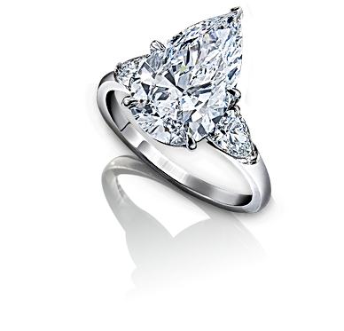 Pear shape engagemet ring, LIV Diamonds london, Engagement ring specialist london, stunning engagement rings