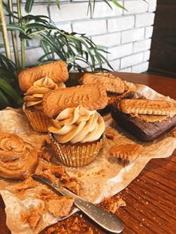 Cakes - Lotus