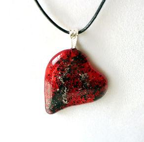 HeartNeckCremainsRdB.jpg
