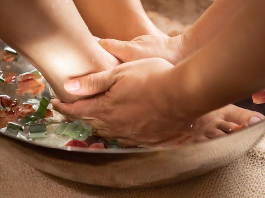 新橋・銀座のタイ古式マッサージ「ワンディーディー スパ & タイマッサージ」- Foot Massage