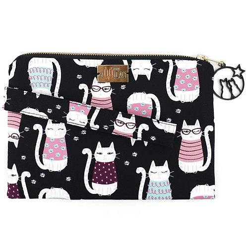 Wristlet in Smiling Cats on Black (Purr-sonalisation Available)