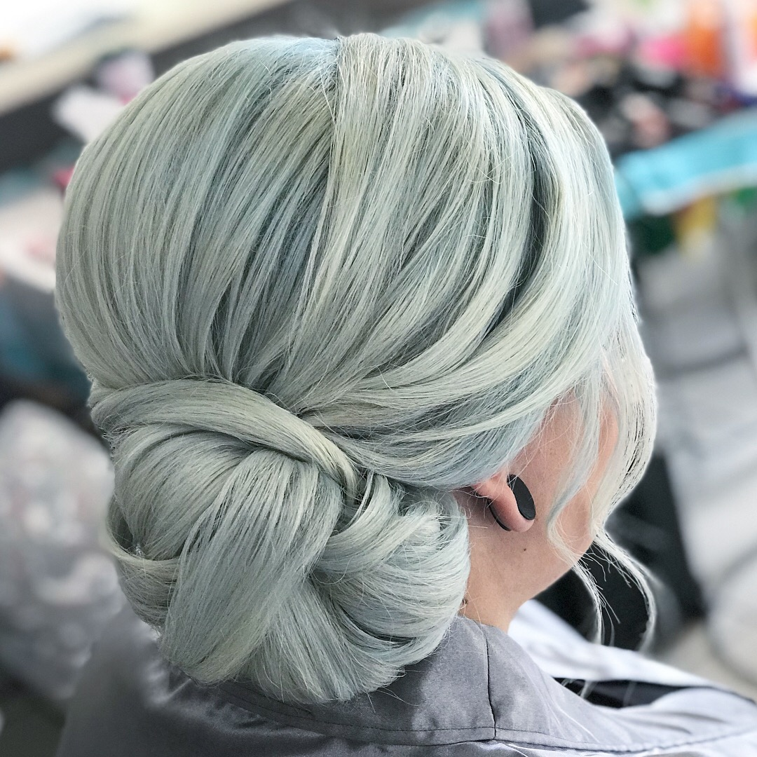 Side Twisted bun
