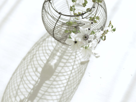 シンプルな花暮らし vol.21  器をみたてる愉しみ