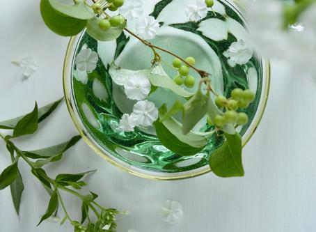 シンプルな花暮らし vol.23 涼を誘うガラスの器