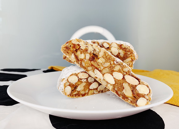 Panforte Margherita with walnuts and figs, 240 g, 8 servings
