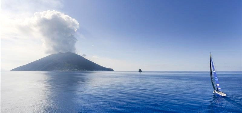 Esimit-Stromboli.jpg