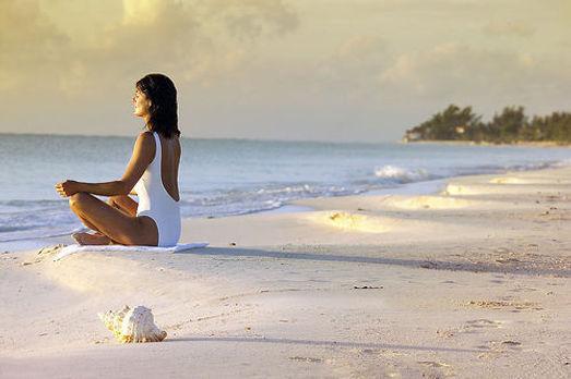 mulher-meditar-feira.jpg