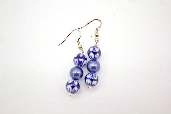 Shell Pearl with Blue & White Ceramic