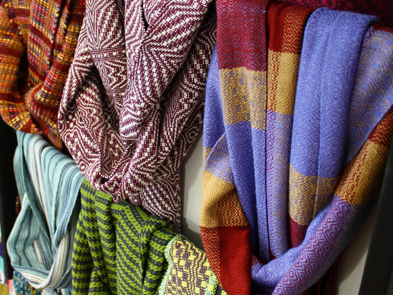 Handgewebte Schals von Craft Pigeon Handweberei