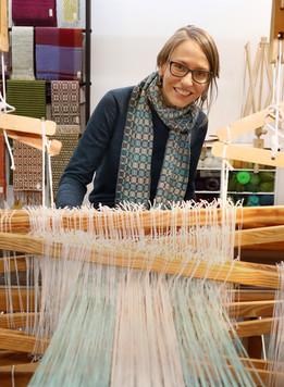 Robyn Chamberlain, Inhaberin von Craft Pigeon Handweberei - Prozess und Geschichte der Handweberei