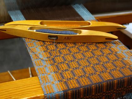 Craft Pigeon Handweberei - weaving process