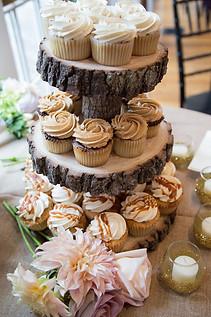 Rustic Wedding Cupcake