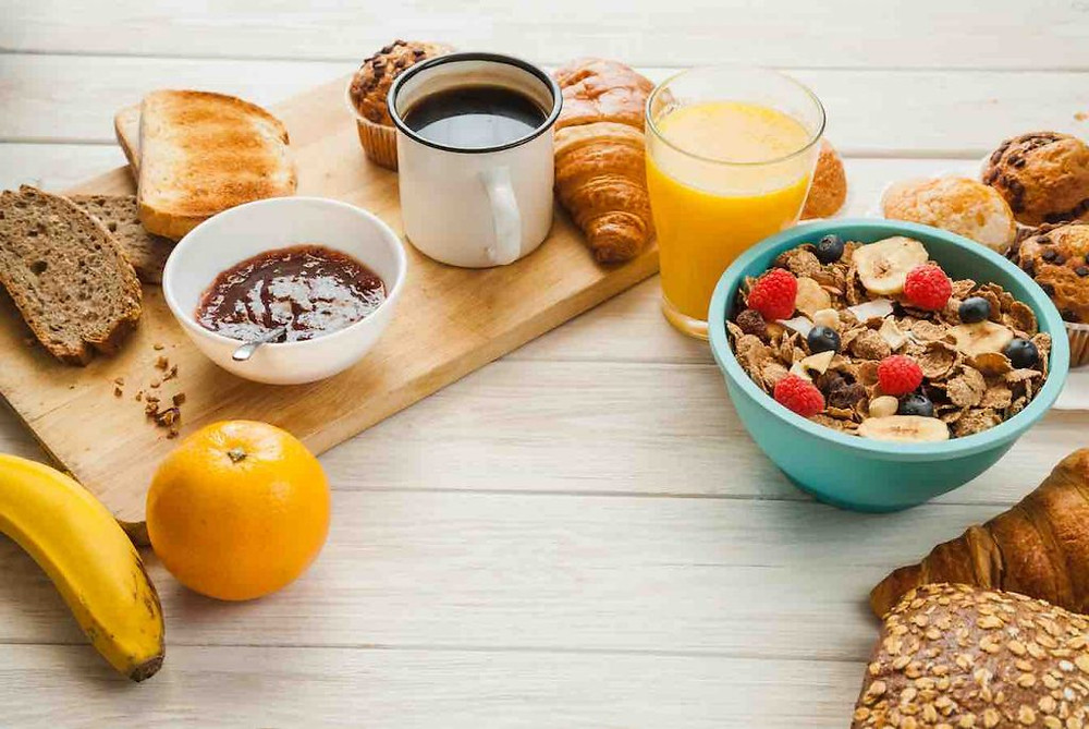 Saltarse el desayuno y sus riesgos - Nutricionista Online Karina Herrera