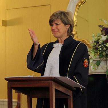 Esther de Groote als ceremonieel spreker, ceremoniespreker, trouwambtenaar, BABS