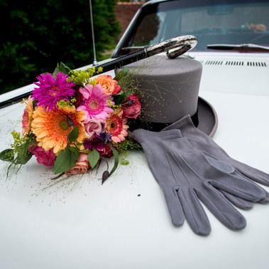 Ford Mustang met bruidsboeket