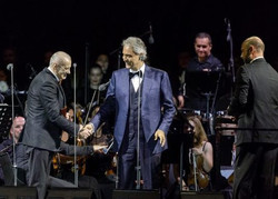 Gheorghe Zamfir in Andrea Bocelli Concer
