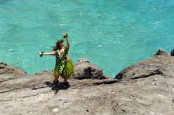 Mai ho`oni i kawailanamalie- Do not disturb the water that is tranquil (color)